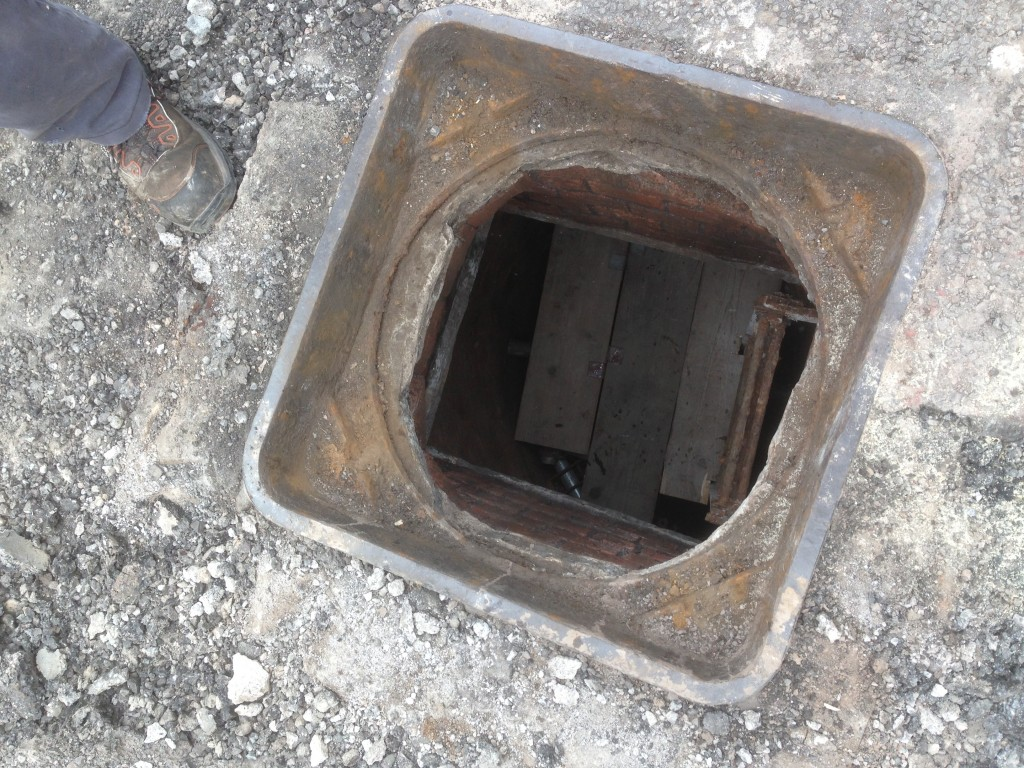 manhole platform